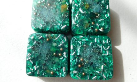 4 Mini Cube Tower Busters Transparent Green Orgone Generator Energy Accumulator PERFECT GIFTING TOOL!!!! Made 528Hz Frequency with OM Chants Many Beautiful Ingredients and Colors!!